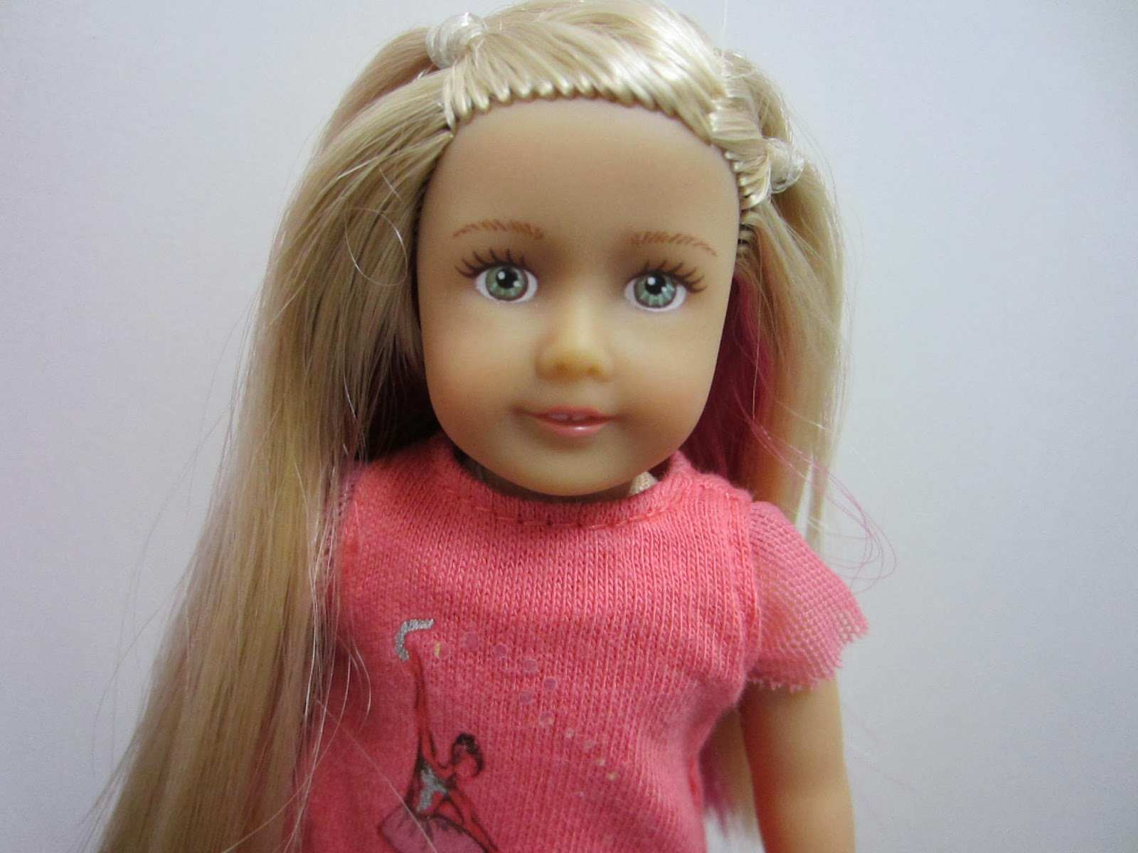 American girl doll of the year isabelle
